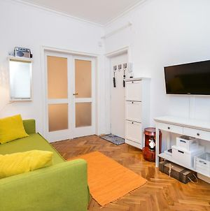 The Charming Home - One Bedroom Top Central Apartment photos Exterior