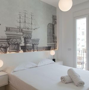 Chic And Central, In A Lively But Quiet Area. All Walking Distance. photos Exterior