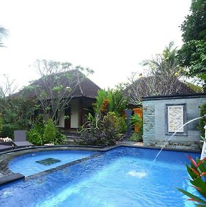 Loka Sari Guest House And Spa photos Exterior