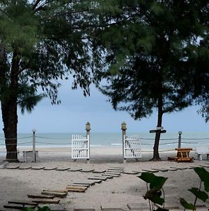 Baan Kratom Tong By The Sea photos Exterior