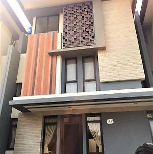 Homestay Regentown Ice Bsd Serpong photos Exterior