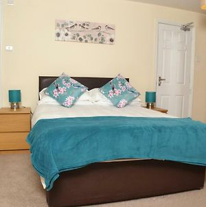 5 Bed House 15 Min From Manchester! With Free Parking! photos Exterior