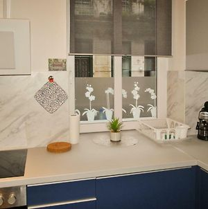 Sunset Central Apartment - All At Walking Distance! photos Exterior
