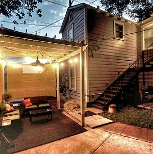Ez Check-In Ultimate Guest House, Eco Pecan Tree House Atx, Standalone Guest House photos Exterior