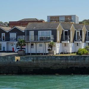 Aisla Cottage • East Cowes • Isle Of Wight photos Exterior