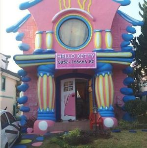 Villa Hello Kitty Kota Bunga Puncak photos Exterior