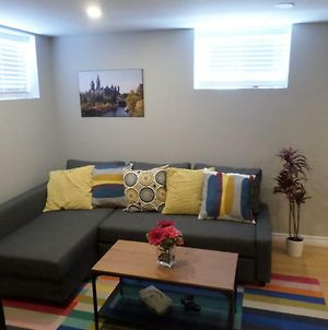 Fantastic And Modern Downtown 1-Bed Basement Apt., Parking Wi-Fi And Netflix Included photos Exterior