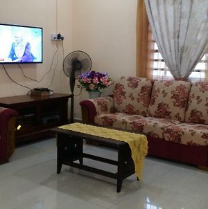 Isma Lumut Homestay photos Exterior
