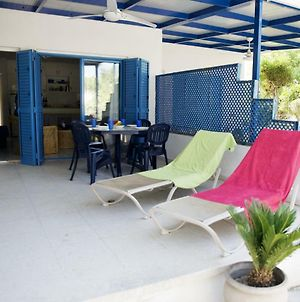 Pebbles Beach Cottage - 1 Bdr, Sleeps 3, Free Wifi photos Exterior