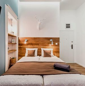 The Blue - Studio Apartment In The Center Of Budapest photos Exterior