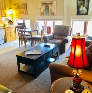 Galena Penthouse Overlooking Main Street With Free Off Street Parking photos Exterior