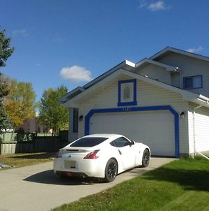 Spacious/Elegant House By West Edmonton Mall photos Exterior