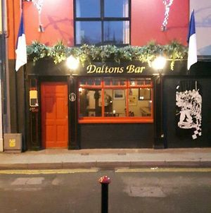 Daltons Bar photos Exterior