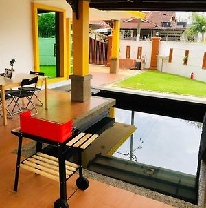 Ar-Rayqal Private Pool Homestay Johor Bahru photos Exterior