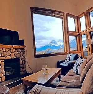 Downtown Loft, Mountain Views, Fireplace, Couple'S Retreat, Walker'S Paradise photos Exterior