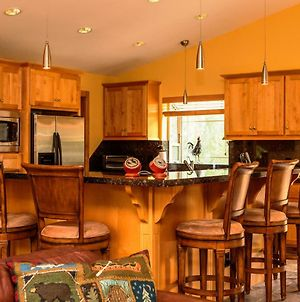 5-Star Luxury Tahoe Cabin! Great Location! Pool Table!Darts! Poker! Ping Pong! Games! photos Exterior
