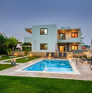 Kagiemar Luxury House With Private Pool photos Exterior