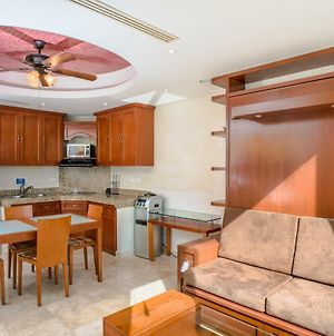 Gorgeous Ocean/Beachfront 1Bdrm On Cancun Beach!! photos Exterior
