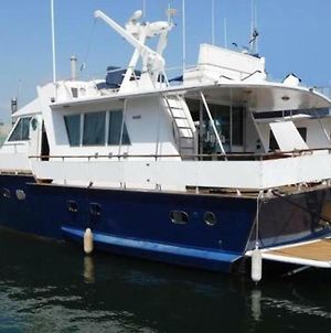 Your Own Private Yacht photos Exterior