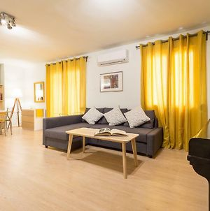 Downtown Urban Flat For 4 People In Plaka photos Exterior