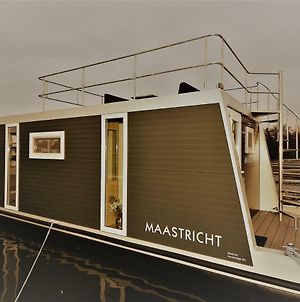"Cozy Floating Boatlodge ""Maastricht"". photos Exterior"