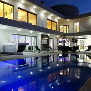 Modern And Luxury Villa With 5 Bedrooms And Panoramic Views photos Exterior
