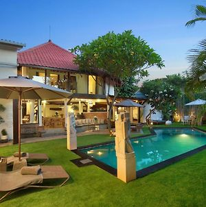 Private 7 Bed, 7 Bath, Hazel Villa With Pool, Close To The Beach photos Exterior