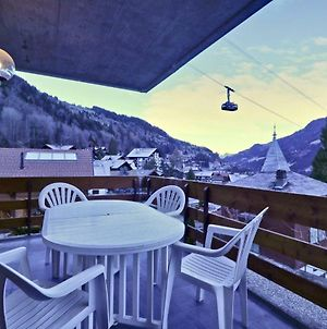 Charmant Appartement Entierement Equipe A Champery photos Exterior