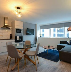 Super Modern City Centre Serviced Apartment photos Exterior
