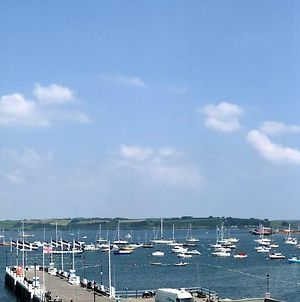 Large Central Falmouth Apartment With Views And Parking photos Exterior
