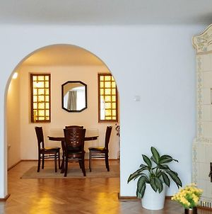 Lovely Apartment And Quiet Courtyard In City Centre photos Exterior