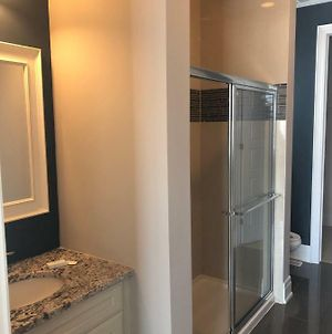 Private Room With A Full Ensuite In Oakville photos Exterior