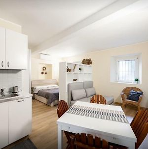 Quiet And Charming Apartment In The Centre Air Conditioned And Purified With Ozone Treatment photos Exterior