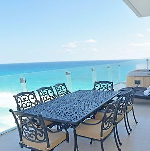 By Tim M - Penthouse #3703 - On The Beach In The Cancun Hotel Zone photos Exterior