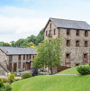 The Old Mill Holiday Cottages, Nr Mold photos Exterior