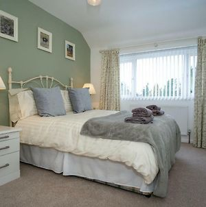 Garden View - 3 Bedrooms For Up To 5 Guests Ideal For Nec, Hs2, Bhx, Solihull photos Exterior