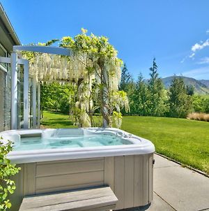 Queenstown Retreat With Hot Tub photos Exterior