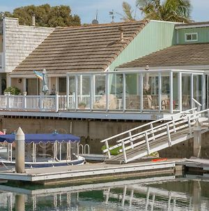 Upscale Water Front Resort Vacation Home photos Exterior