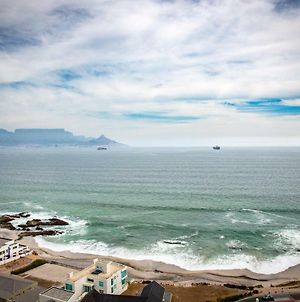 Luxury 3 Bedroom 16Th Floor Beachfront Penthouse With Lift, Blouberg Heights, Blouberg, Cape Town photos Exterior