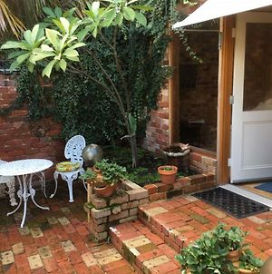 Gorgeous Studio 2 Minutes From The Heart Of Subiaco photos Exterior