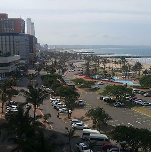 Durban South Beach Boutique Self Catering Apartments Suites On Marine Parade photos Exterior