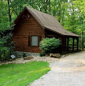 A Romantic Cabin In Hocking Hills, Logan, Oh photos Exterior