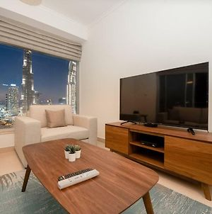Panoramic Burj Khalifa View 2 Bedroom Apartment, Burj Views Tower photos Exterior