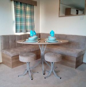 Premium Accomodation With Hot Tub, Tattershall Lakes Country Park photos Exterior