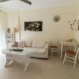 Little Cosy And Sunny Apartment In Thessaloniki photos Exterior