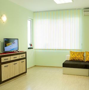 Lime - Fresh 1-Bedroom Apartment In A Lively Area photos Exterior