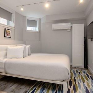 A Stylish Stay W/ A Queen Bed, Heated Floors.. #3 photos Exterior
