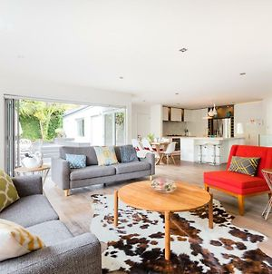Luxury New Modern 3 Bedrooms House In Castor Bay & Milford Near Takapuna Walk To Beach And Mall photos Exterior
