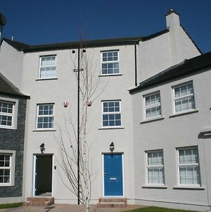 In The Heart Of Portrush - 4 Beds photos Exterior