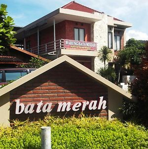 Bata Merah Guest House & Camping Ground photos Exterior